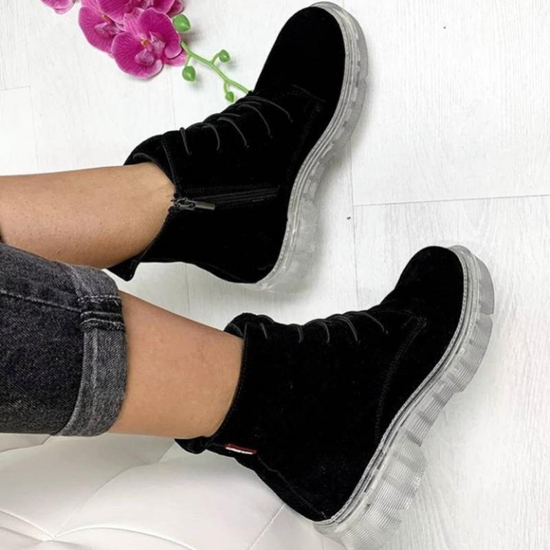 Натуральные замшевые ботинки черные