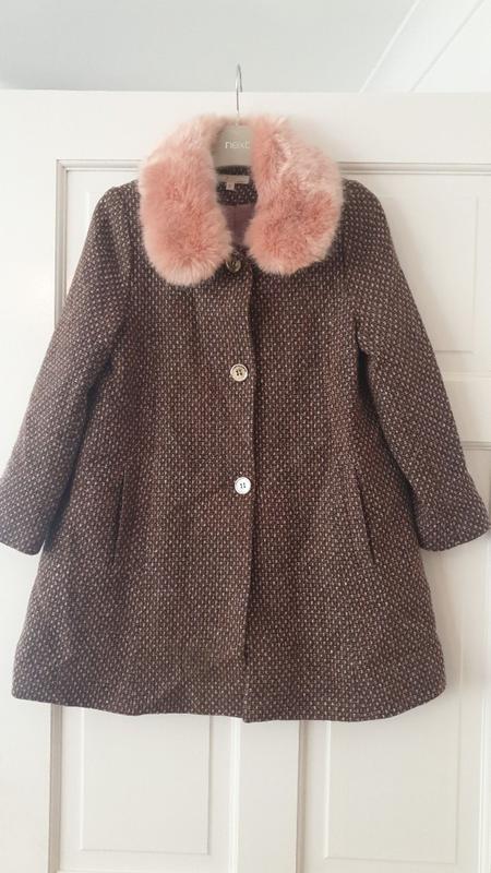 Шикарное пальто для девочки 8 лет