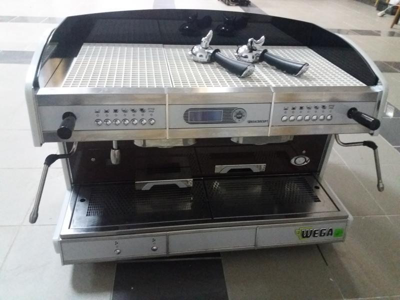 Кофемашина кофеапарат Wega Concept 2gr. мультибойлерная