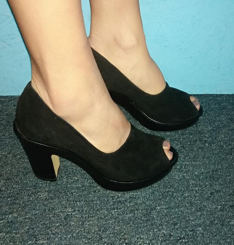 Стильные замшевые туфли clarks р 37,5-38