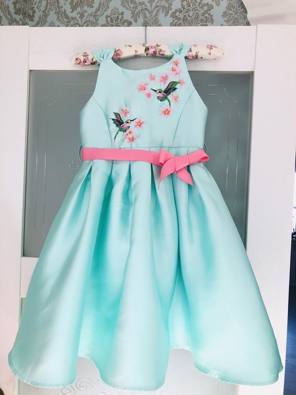 Monsoon нарядное платье в цвете мята с вышивкой