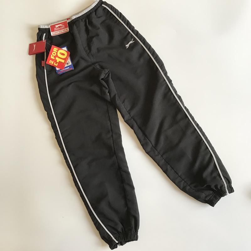 Крутые фирменные спортивные штаны на 9-10 лет
