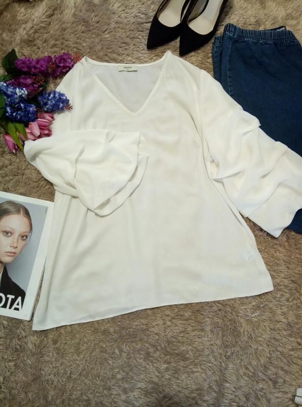 Белоснежная блуза с пышными рукавами