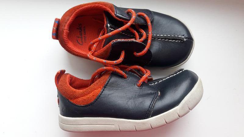 Кожаные кроссовки clarks 22 размер