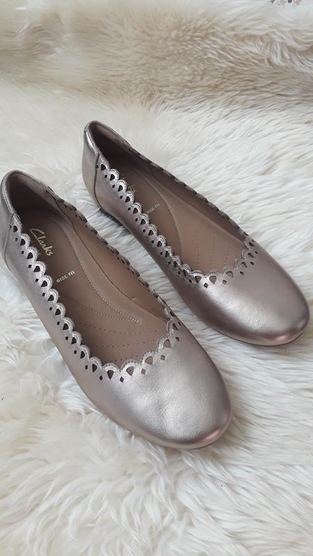 Золотистые кожаные туфли clarks 40 размер