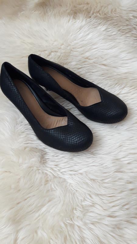 Кожаные туфли clarks 39 размер