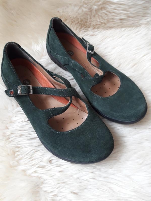 Замшевые туфли clarks  38.5 размер