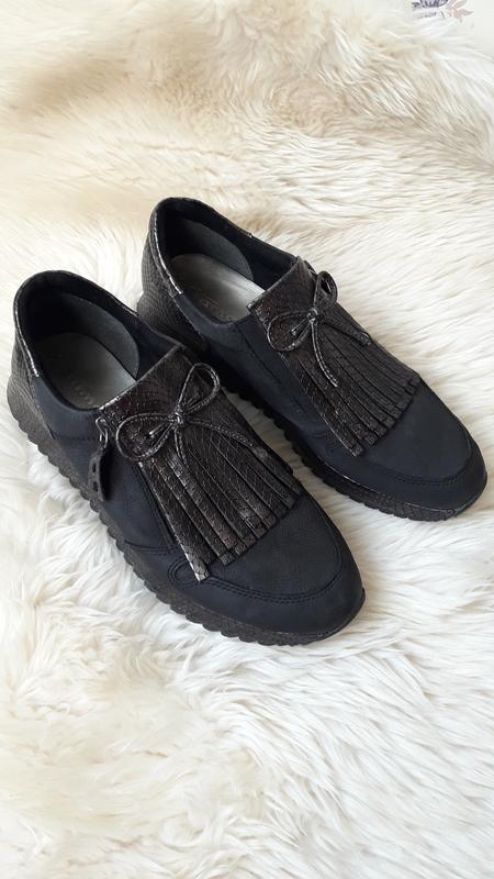 Кожаные туфли tamaris 39 размер