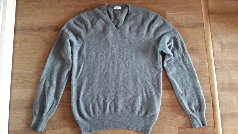 Шикарный кашемировый свитер  united colors of benetton