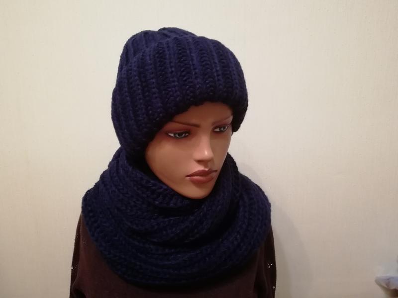 Стильные молодёжный комплект шапка и снуд темно-синий