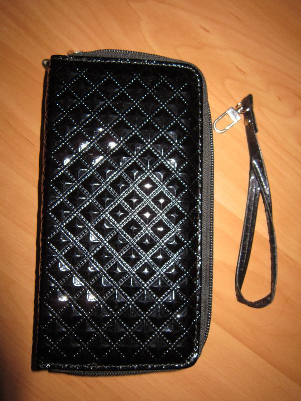 Черный лаковый кошелек портмоне клатч с трендовым тиснением