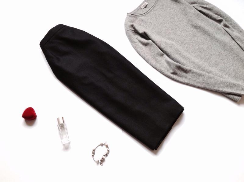 Тёплая классическая шерстяная юбка миди