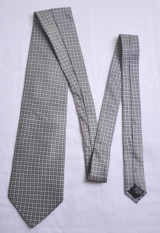 Стильный  галстук pierre cardin