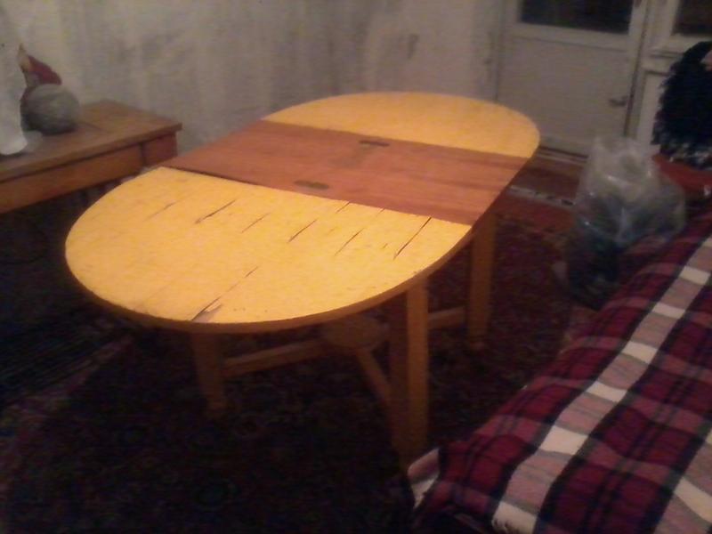 Стол раритетный под реставрацию