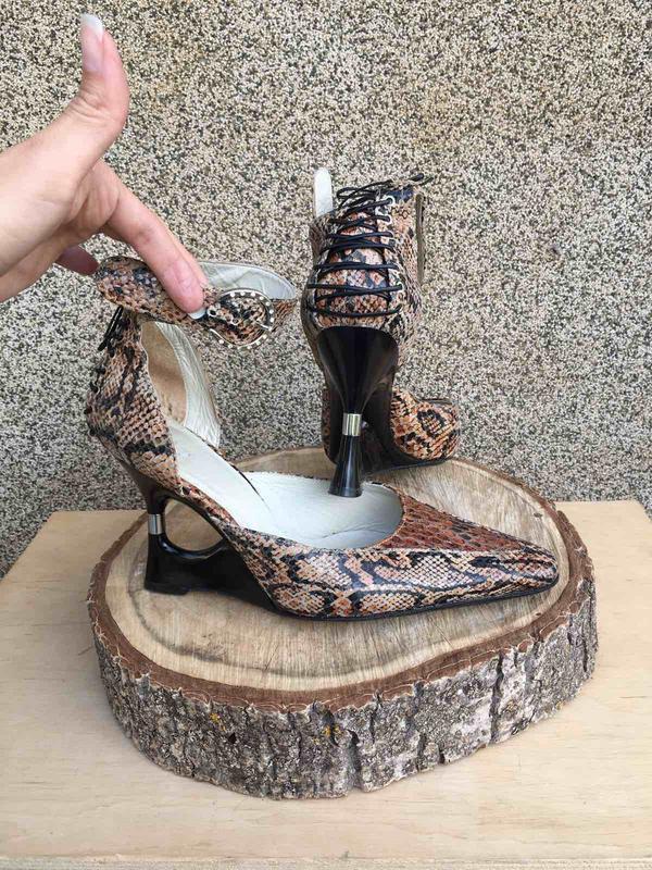 Хит!!! крутые модные туфли с острым носком босоножки рептилия ...