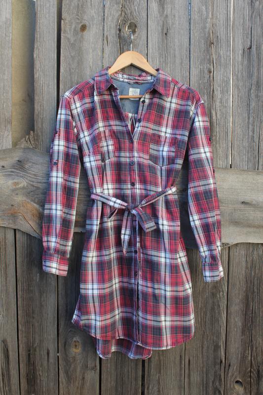 Удлиненная рубашка в модную клетку, платье-рубашка