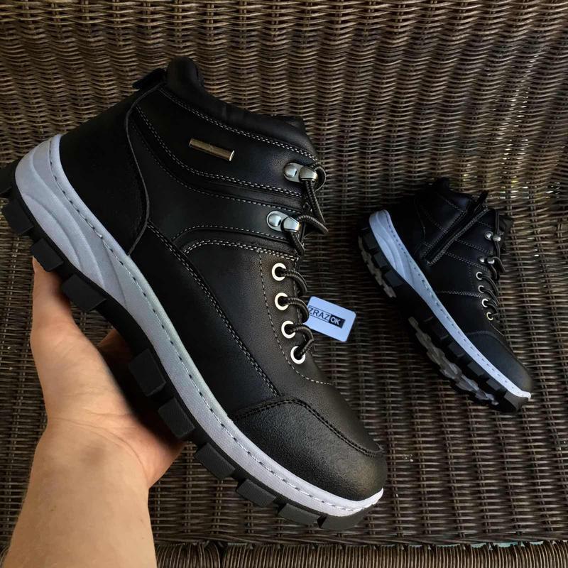 Чёрные зимние мужские ботинки кроссовки на змейке