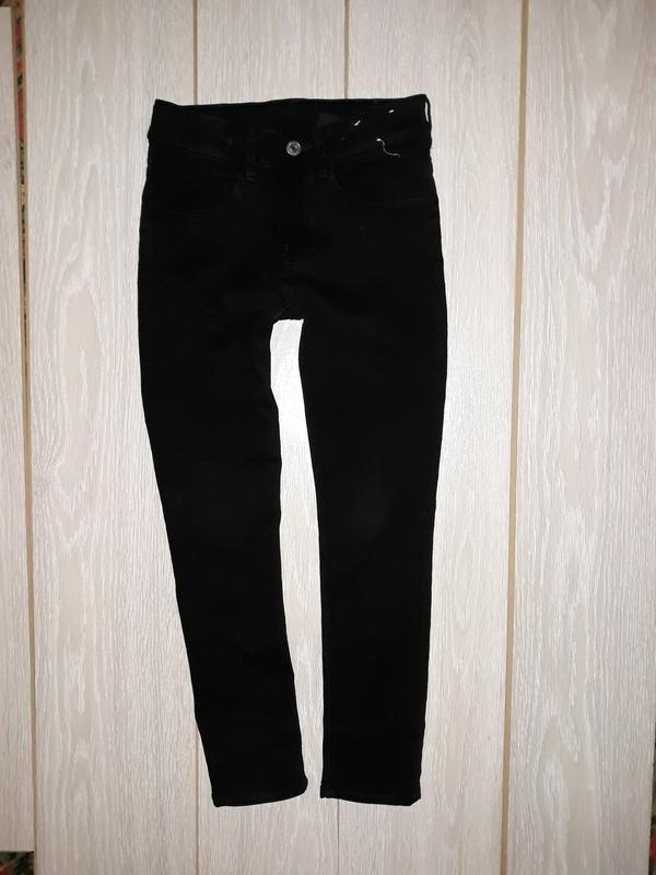 Чёрные джинсы h&m на 8-9 лет