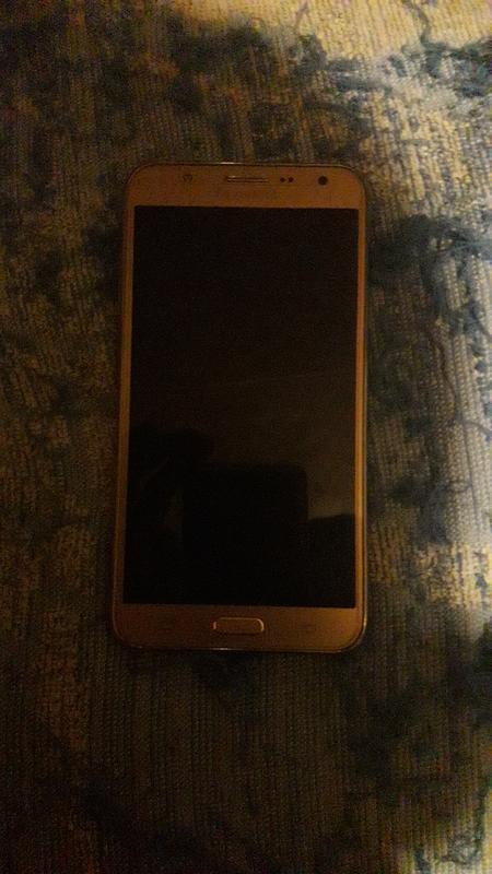 Телефон Samsung galaxy j7 gold