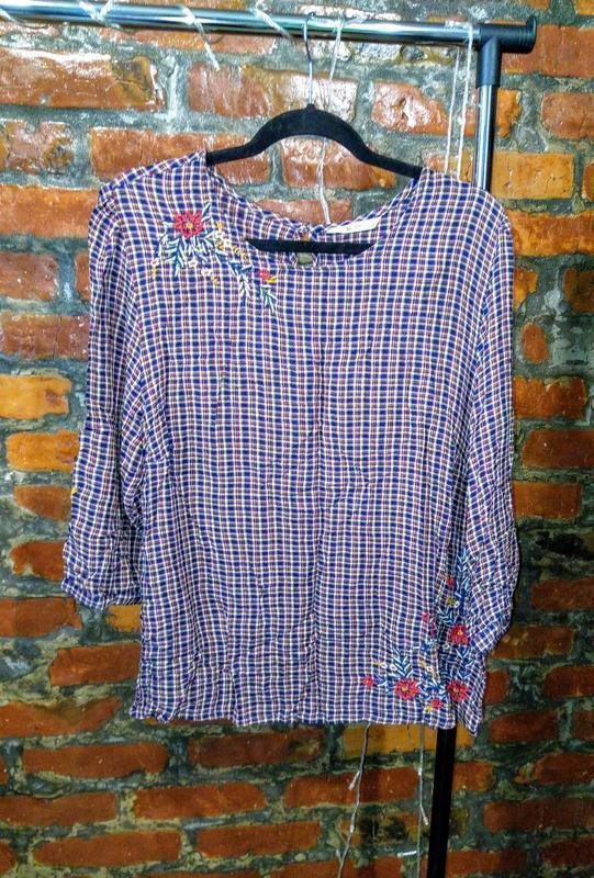 Женственная блуза кофточка прямого кроя tu