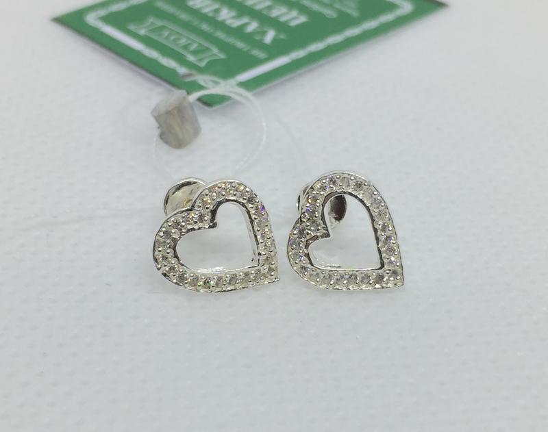 Новые серебряные серьги гвоздики сердечко куб.цирконий серебро...