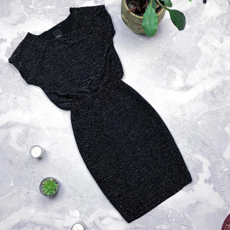 Шикарное платье с люрексом ichi