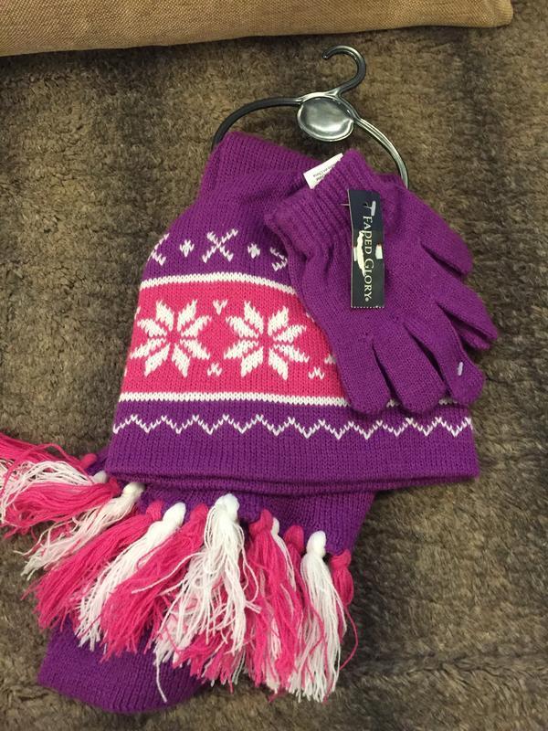 Набор 3-в-1 шапка,перчатки,шарф faded glory