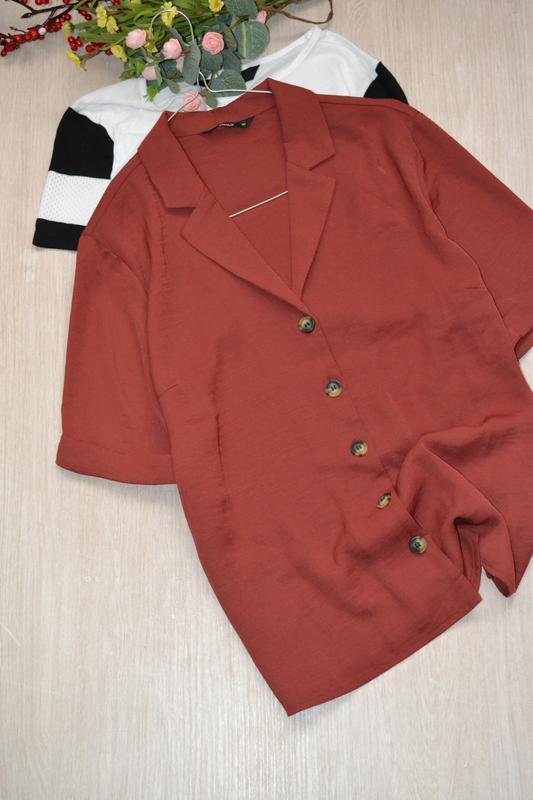 Стильная блузка рубашка на крупных пуговицах only
