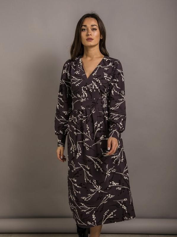 Стильне плаття довжини міді