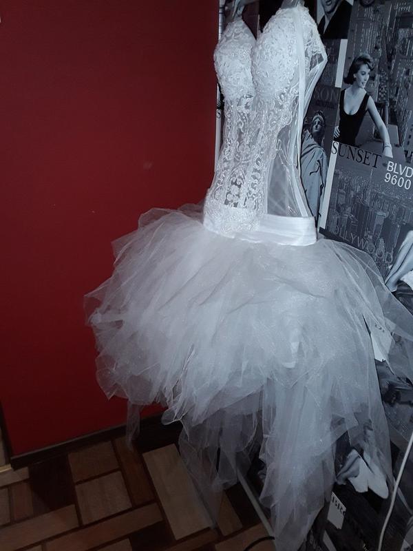Шикарное свадебное платье/