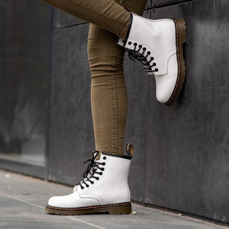 Шикарные женские  ботинки dr. martens 1460 white