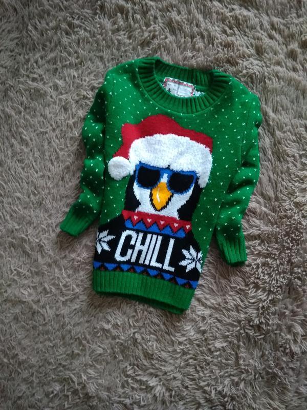 Яркий,красивий,новогодний свитерок 4-5 лет