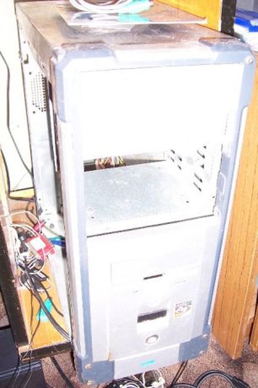 Продаю корпус пк компьютер блок питания 2 сидиром Оптический п...