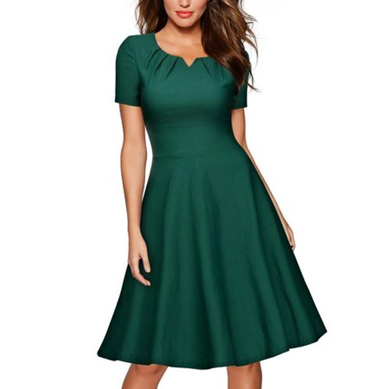Фирменное красивое вечернее изумрудное платье миди на новый го...