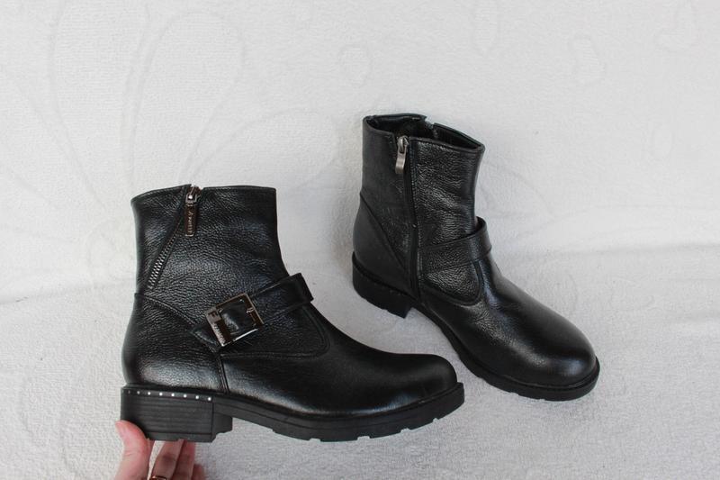 Зимние кожаные ботинки 37, 39 размера на низком ходу