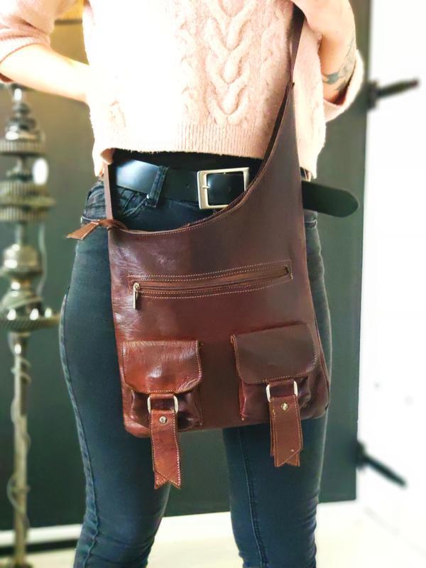 Классная сумка из натуральной кожи.