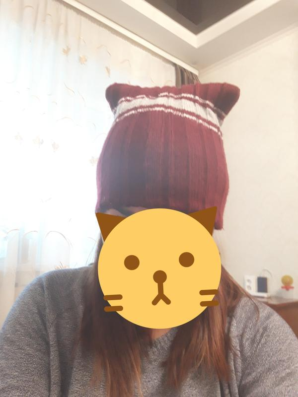 Крутая женская шапка