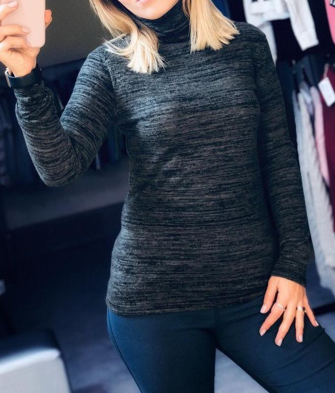 Новый свитер цвета графит, гольф