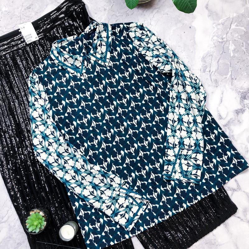 Стильная яркая бирюзовая рубашка