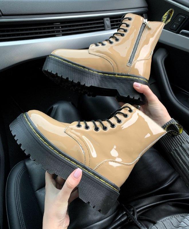 Шикарные женские зимние ботинки dr. martens jadon beige patent