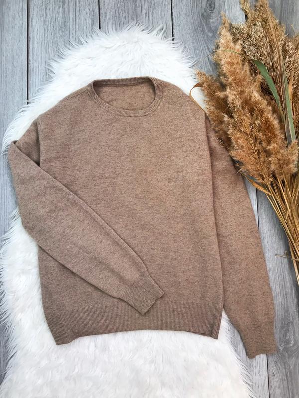 Тёплый базовый свитер в составе шерсть мериноса и кашемир м / l