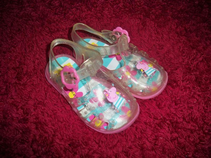 Фірмові яскраві босоніжки для маленької принцеси peppa pig 21 ...