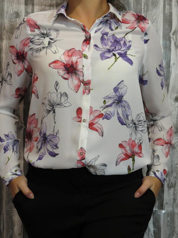 Шикарная блуза в цветах с длинным рукавом 12 размер. большой в...