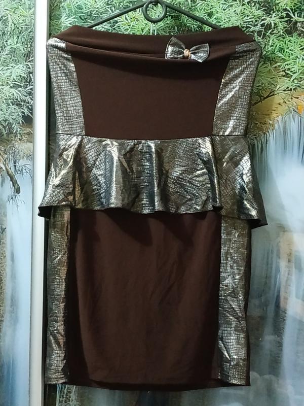 Платье мини с баской