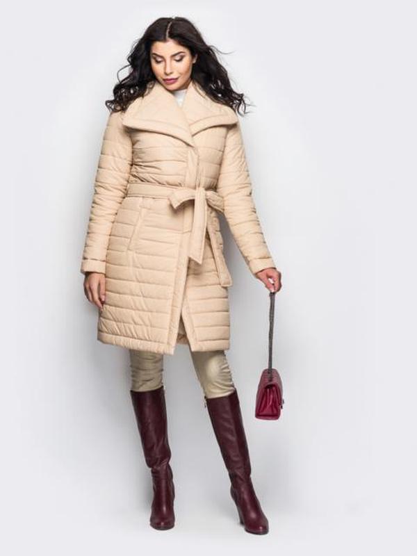 Женская зимняя куртка с отложным воротником