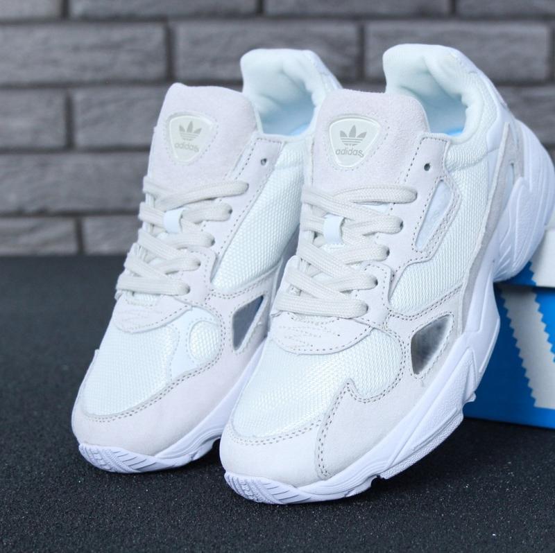 Женские кроссовки adidas falcon cloud white