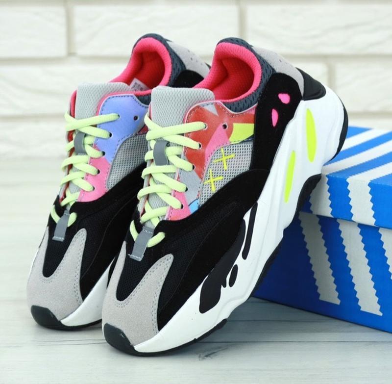 Женские кроссовки custom kaws x adidas yeezy 700