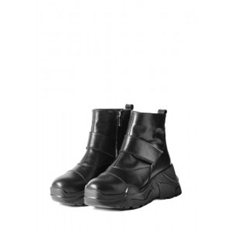 Зимние ботинки на толстой высокой подошве