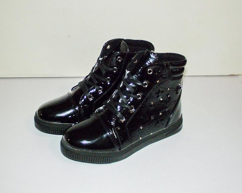 Ботинки демисезонные для девочек черные 32-37