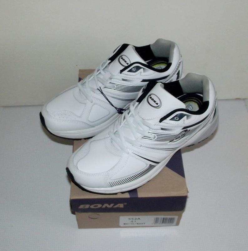 Кроссовки мужские белые кожаные bona 42-45
